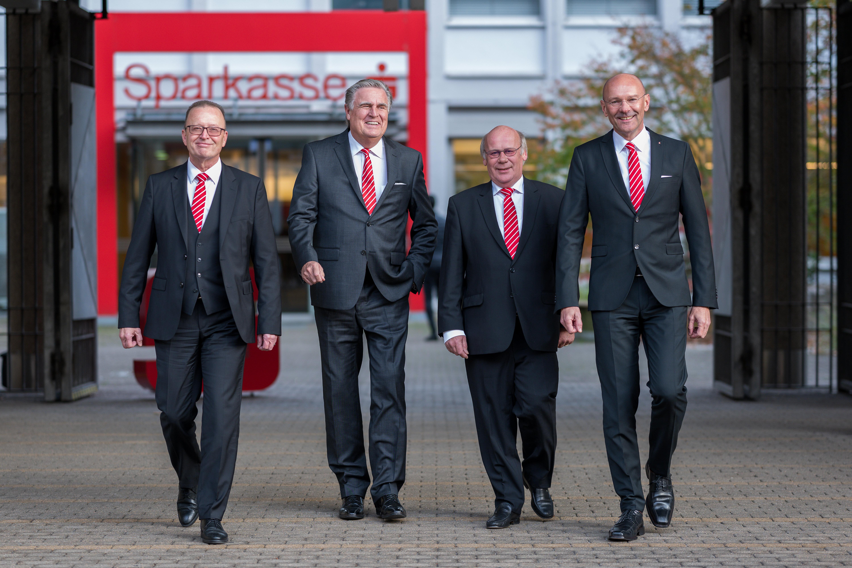 Der Vorstand der Sparkasse Saarbrücken, ...
